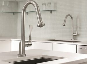 10 Best Kitchen Faucet Reviews & Buyer's Guide for 2020
