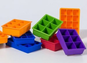 10 Best Ice Cube Trays Reviews & Buyer's Guide in 2020