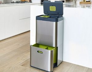 10 Best Kitchen Bins Reviews & Buyer's Guide in 2021