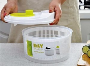 10 Best Salad Spinner Reviews & Buyer's Guide for 2020