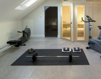Rowing Machine vs Exercise Bike: Which is Better for Weight Loss?