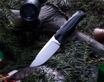 10 Best Hunting Knives in 2021 & Buyer's Guide
